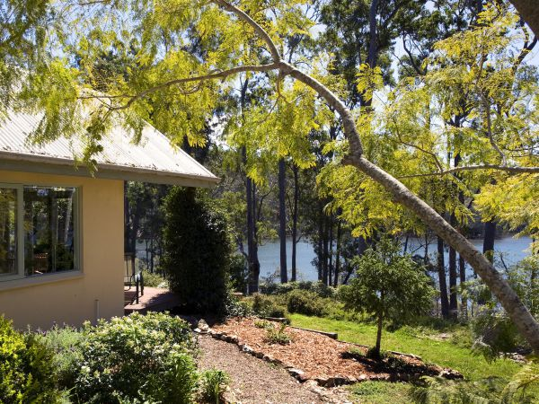 Hobbs Point Cottage - Tourism Bookings WA