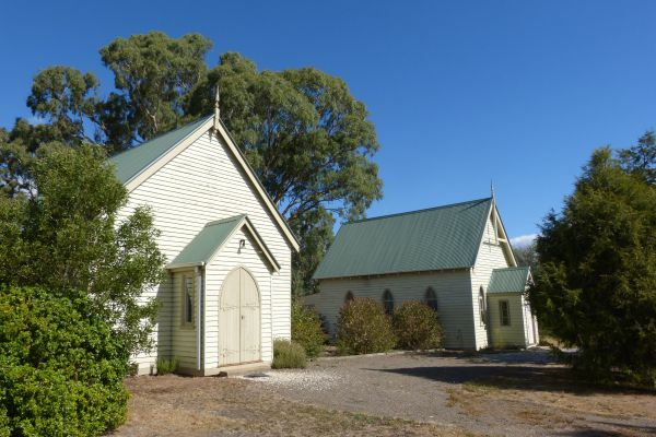 Churches of Yarck - Tourism Bookings WA