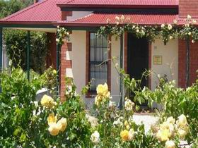 Wine And Roses Bed And Breakfast - Tourism Bookings WA