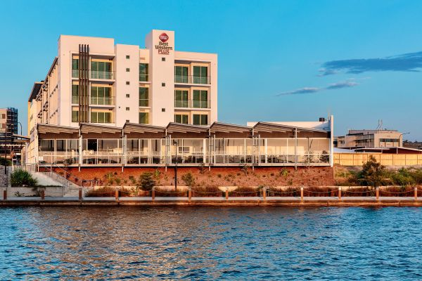Best Western Plus Lake Kawana Hotel