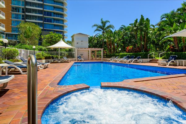 Crest Apartments - Tourism Bookings WA