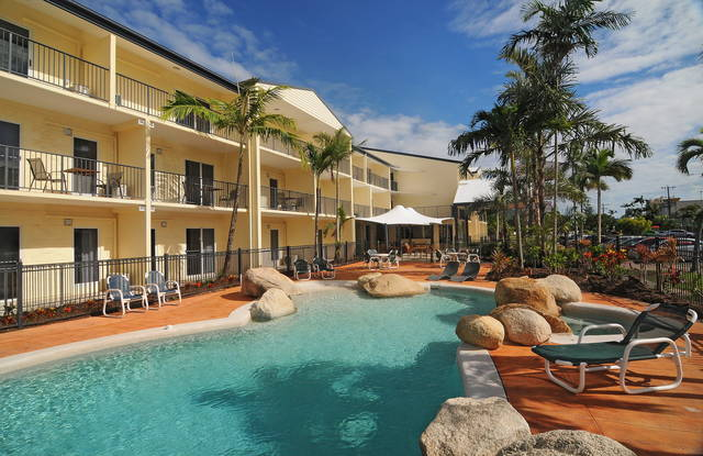 Cairns Queenslander Hotel  Apartments - Tourism Bookings WA