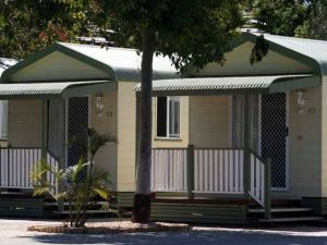 Emerald Cabin  Caravan Village - Tourism Bookings WA