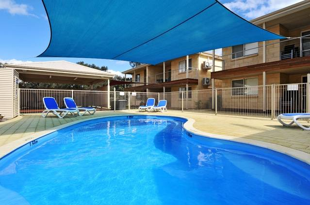 Lakeside Holiday Apartments - Tourism Bookings WA