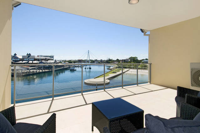 Quality Suites CREST Mandurah - Tourism Bookings WA