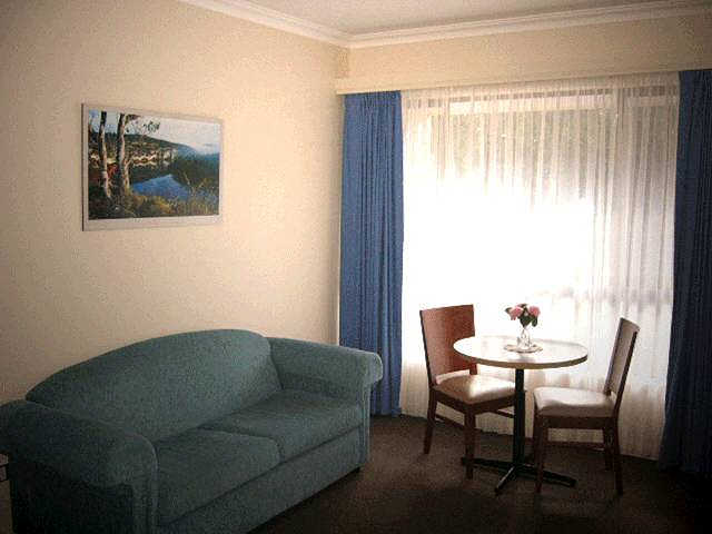 Victoria Lodge Motor Inn  Serviced Apartments