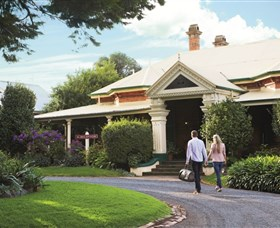Historical Walk Through Russell Street - Tourism Bookings WA