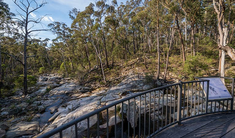 Myanba Gorge walking track - Tourism Bookings WA