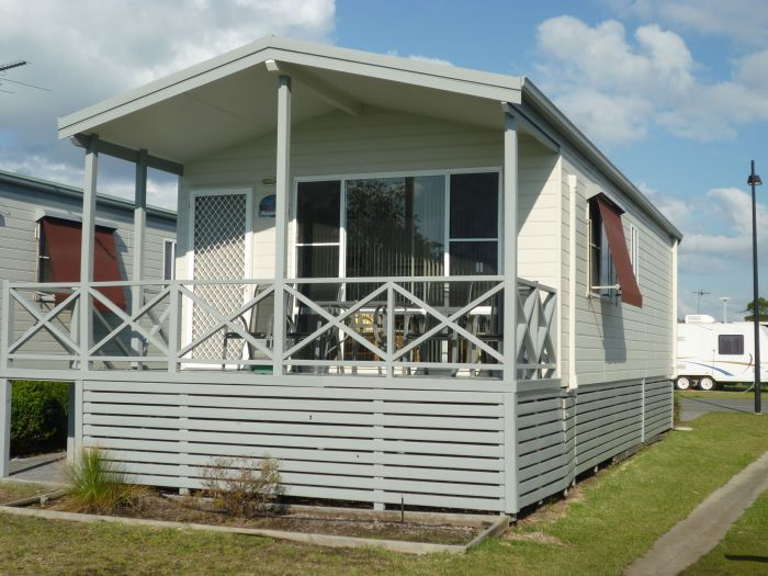 Belmont Pines Lakeside Holiday Park - Tourism Bookings WA