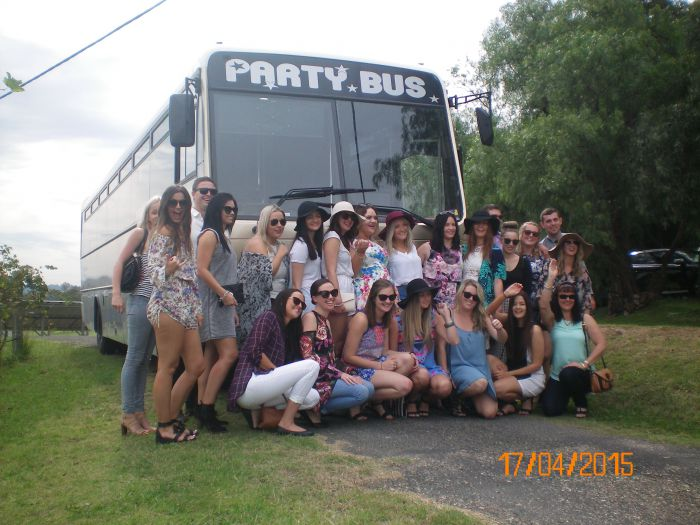 R  R Bus and Leisure Hire - Tourism Bookings WA