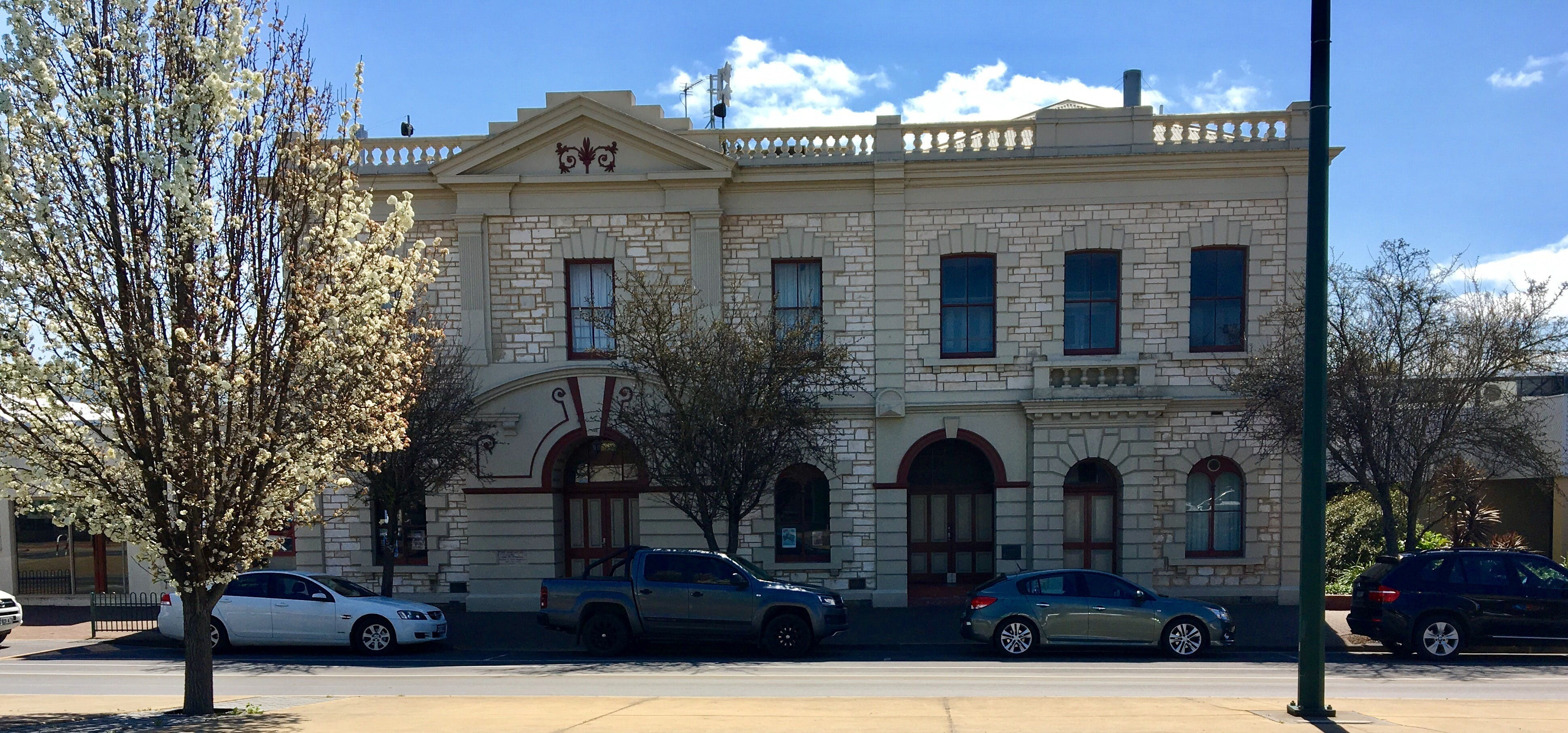 Naracoorte Town Hall - Tourism Bookings WA