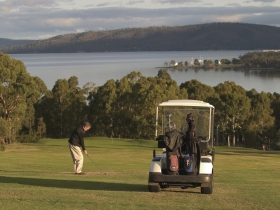 North West Bay Golf Club - Tourism Bookings WA
