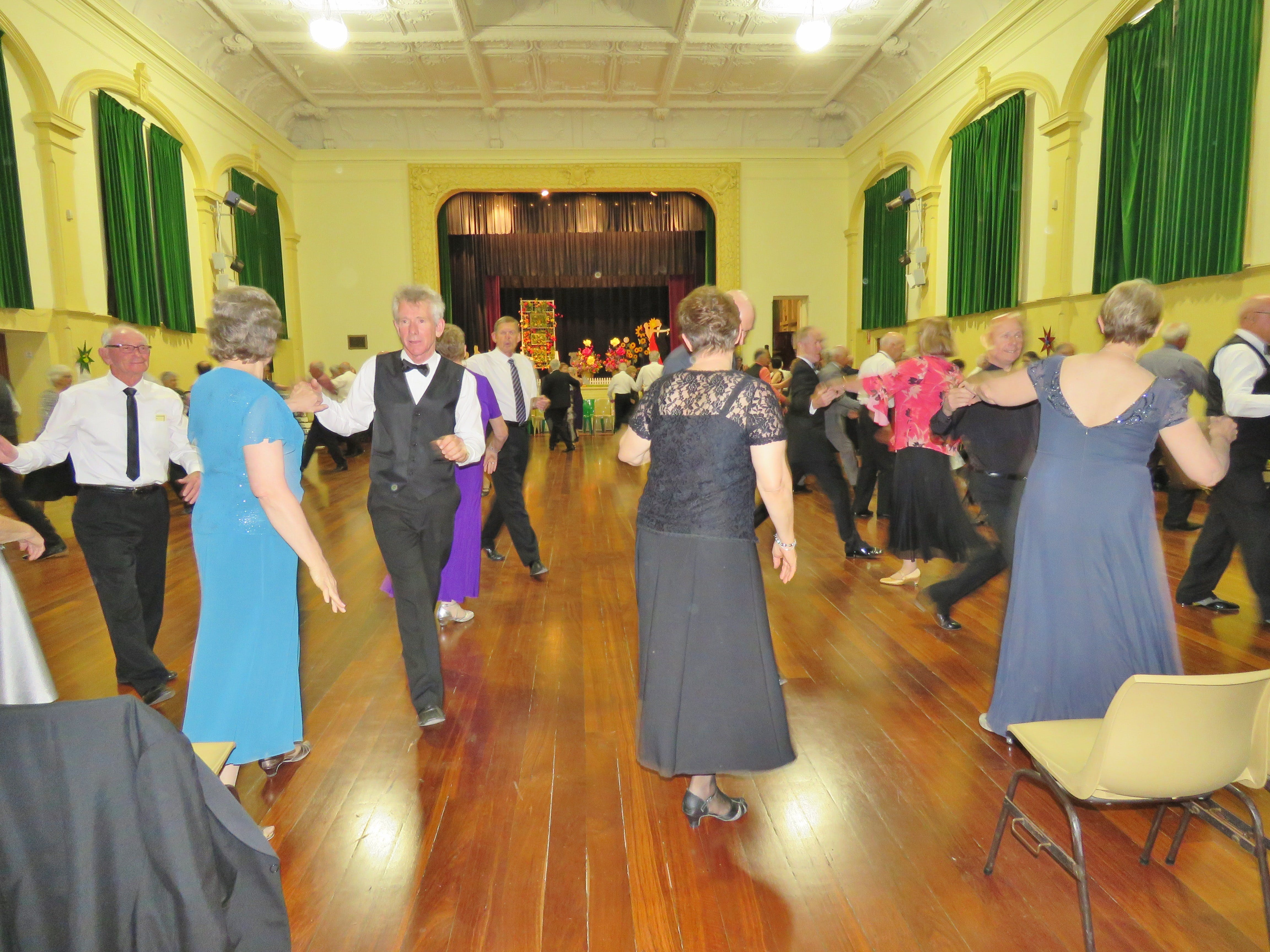 Old Style/New Vogue Dance Wallaroo - Tourism Bookings WA