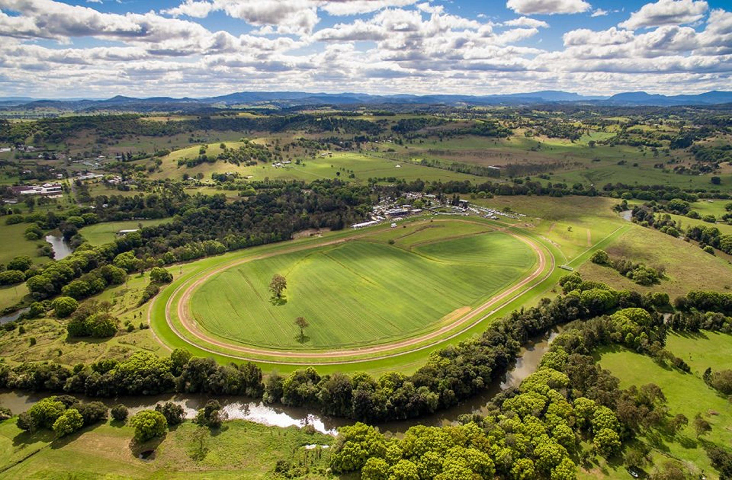 The OBrien Electrical and Plumbing Lismore Cup - Tourism Bookings WA
