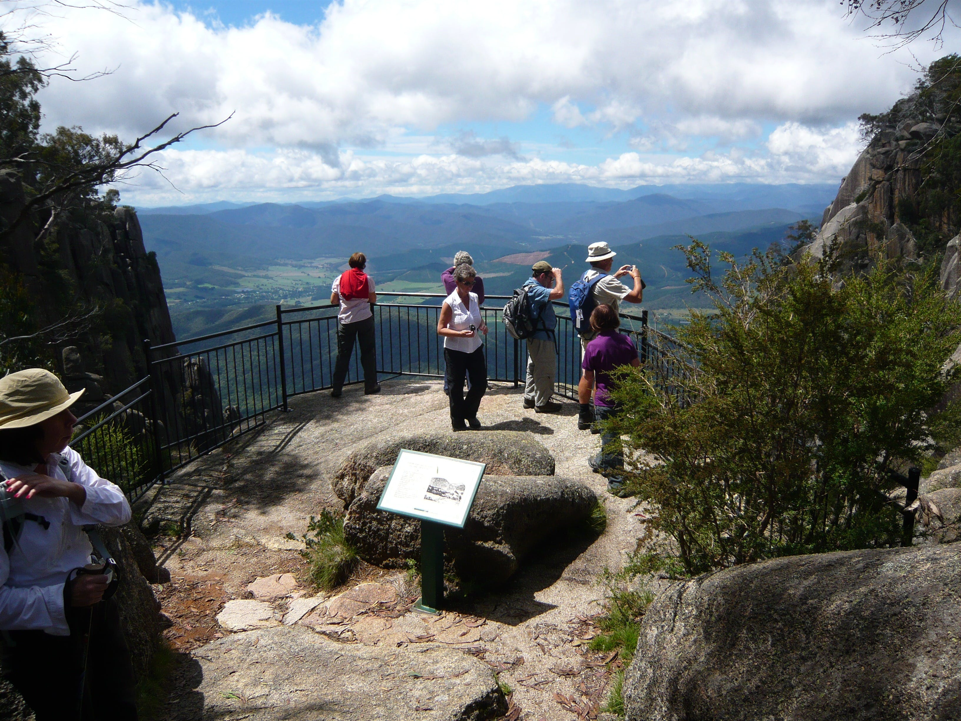 Hedonistic Hiking's Mount Buffalo Hike and Picnic - Tourism Bookings WA