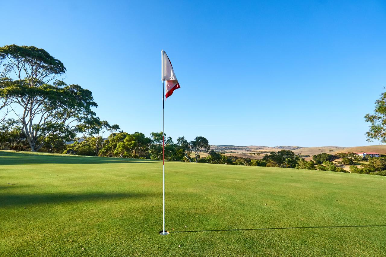 New Terry Hotel  Golf Resort - Tourism Bookings WA