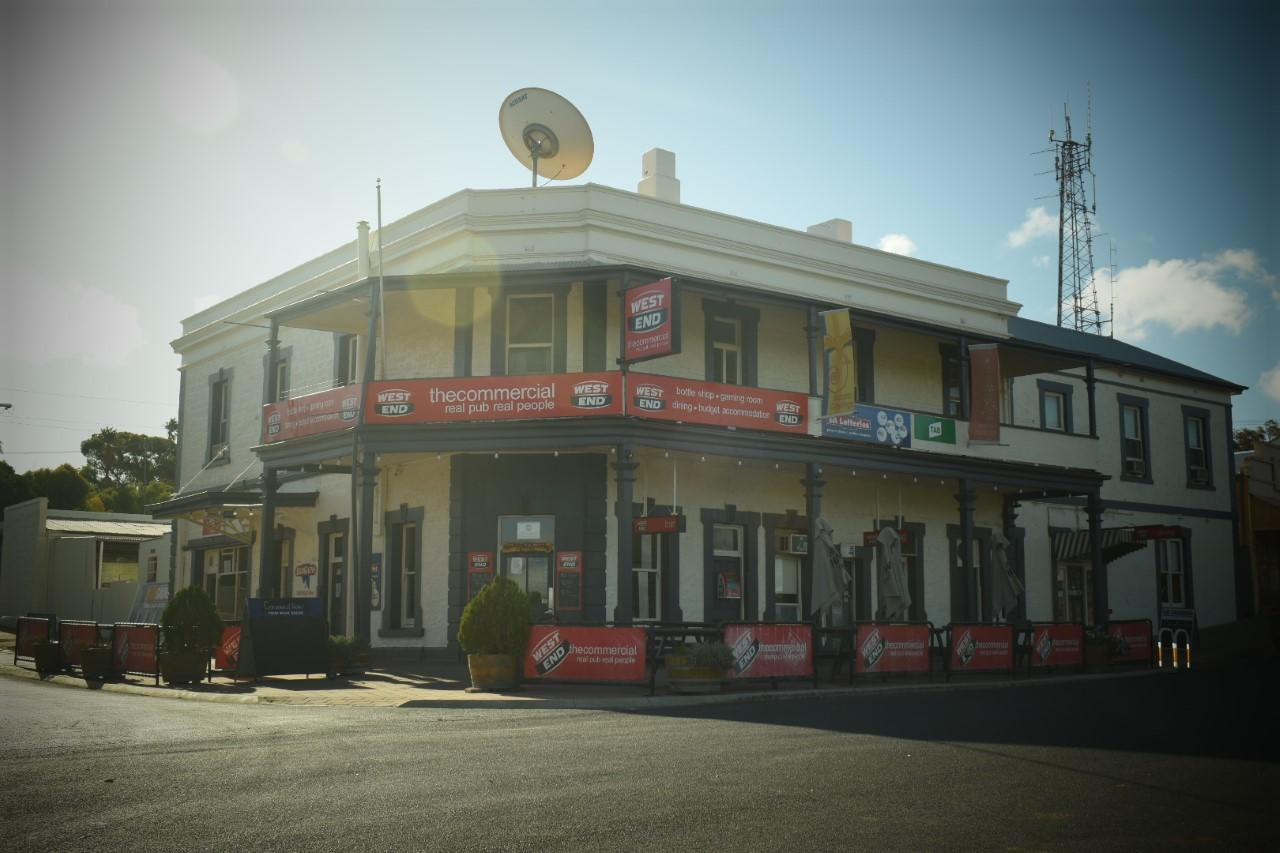 Commercial Hotel Morgan - Tourism Bookings WA