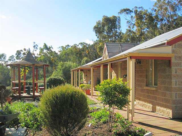 Riesling Trail  Clare Valley Cottages - Tourism Bookings WA