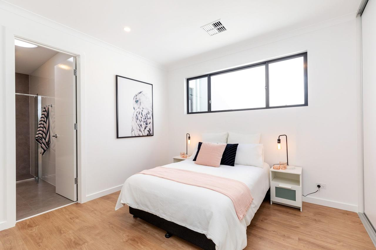 Brand new affordable luxury 3 bedroom 3 bathrooms house close to Adelaide city Chinatown beach Adelaide Airport - Tourism Bookings WA