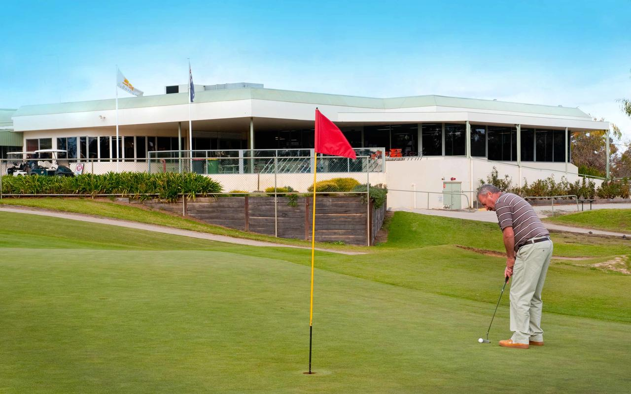 cluBarham Golf Resort - Tourism Bookings WA