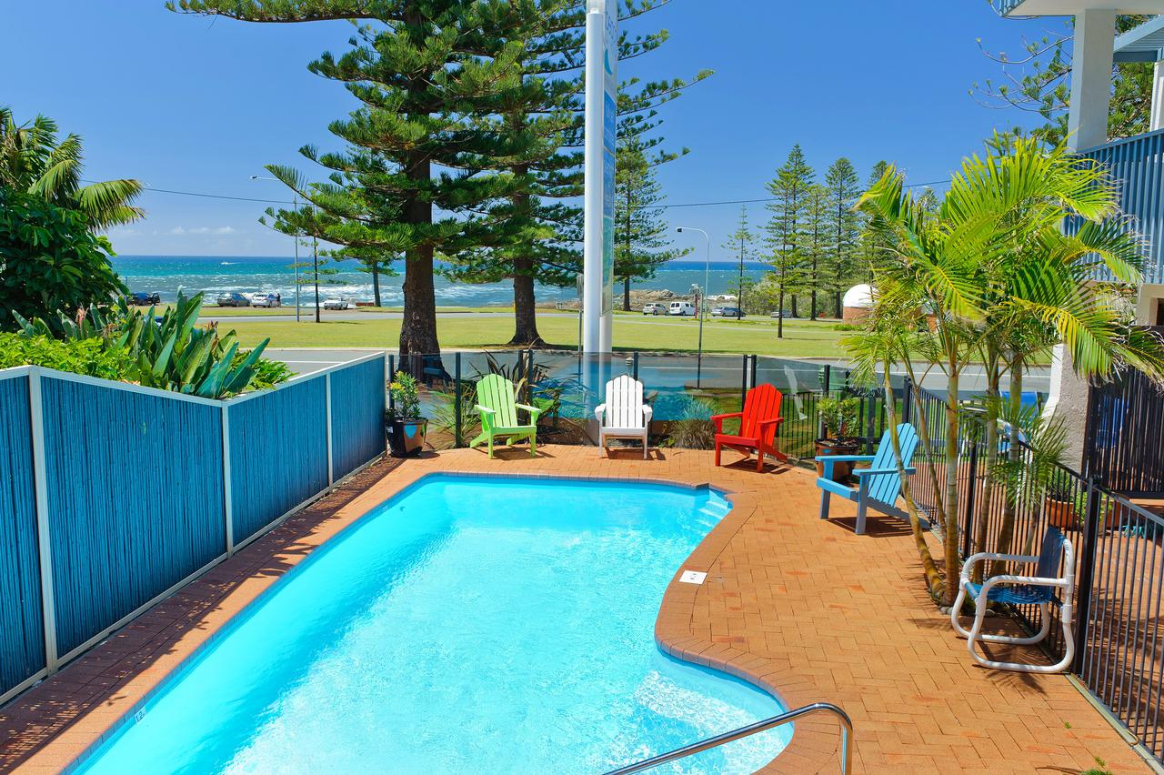 Beach House Holiday Apartments - Tourism Bookings WA