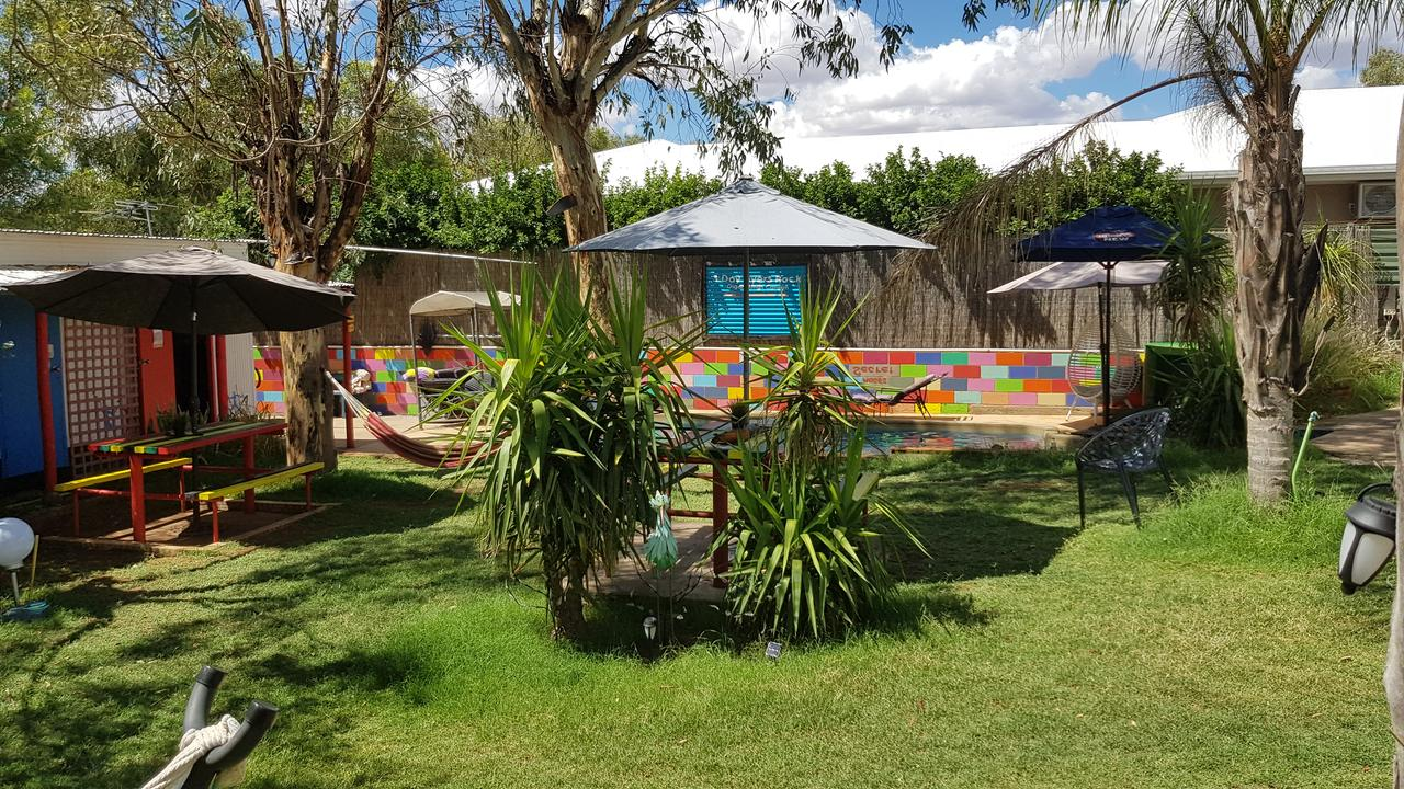 Alice's Secret Travellers Inn - Tourism Bookings WA