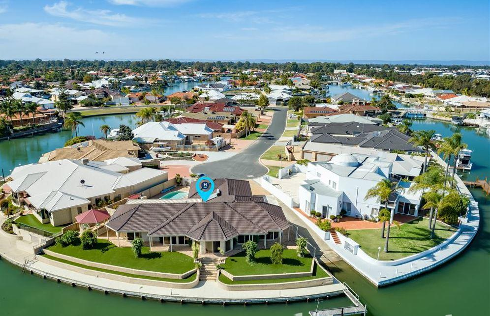 LA ANCHOR ON THE CANALS MANDURAH - Tourism Bookings WA