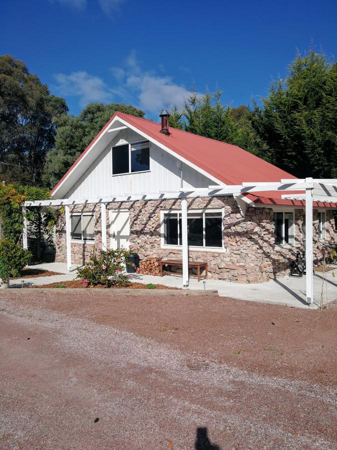 Hilltop Cottages - Tourism Bookings WA